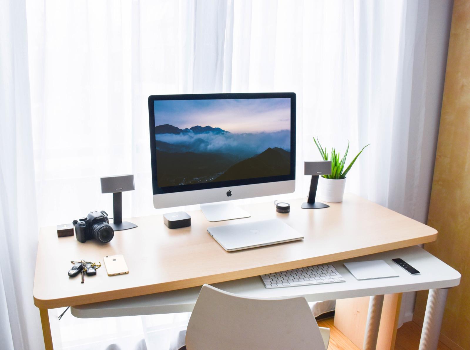 Trang trí bàn làm việc